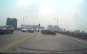 Hà Nội: Xác định danh tính nữ tài xế ô tô PEUGEOT quay đầu xe trên cầu Vĩnh Tuy