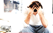 Đàn ông cũng khổ sở vì 'đến tháng', phụ nữ hiểu chuyện cần biết để điều trị tâm lý cho chàng