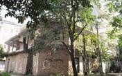 Ai đang sống trong những khu biệt thự bỏ hoang giữa Thủ đô?
