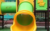 Hà Nội: Bé trai 3 tuổi tử vong tại trường do mắc kẹt cầu trượt