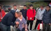Thầy Park rưng rưng bên mẹ già, U23 Việt Nam làm điều đặc biệt