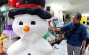 Thu hàng triệu mỗi ngày nhờ công việc tạo người tuyết dịp Giáng sinh