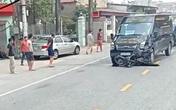 Xe limousine kéo lê xe máy hàng chục mét ở Nam Định, 1 người chết
