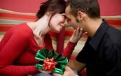 Đâu chỉ giới trẻ tuổi yêu đương, vợ chồng cũng hâm nóng tình cảm dịp Noel