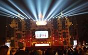 """Hà Nội: Vạn người """"nín thở"""" đón chờ khoảnh khắc chào năm mới 2020"""