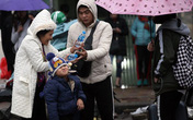 Tết Dương lịch dự báo có mưa rét, cho trẻ đi chơi như thế nào là hợp lý?
