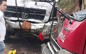 Xe khách đấu đầu xe tải, nhiều hành khách bị thương