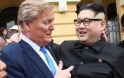 Hà Nội: 2 người đóng giả Tổng thống Trump và Chủ tịch Kim giây náo loạn đường phố