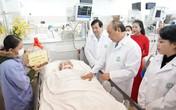 Thủ tướng: Rà soát chính sách đãi ngộ xứng đáng với người làm nghề y - nghề đặc biệt