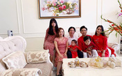 Mẹ chồng của Khánh Thi trẻ trung không kém con dâu