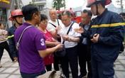 Quảng Ninh: Giải cứu 5 du khách Trung Quốc mắc kẹt trong đám cháy lớn