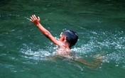 Biết bơi vẫn có thể chết đuối chỉ vì chuột rút