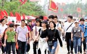 Hàng vạn người khắp cả nước ùn ùn tham dự Lễ hội Đền Hùng sớm
