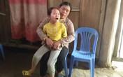 Thương tâm bé gái 10 tuổi không có hậu môn, cuộc sống hàng ngày gắn liền với bỉm, tã