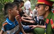 Quá đông người hành hương dịp Giỗ Tổ, nhiều trẻ nhỏ lạc cha mẹ ở Đền Hùng