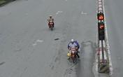 Muôn kiểu phớt lờ đèn giao thông trên đường phố Hà Nội