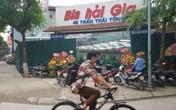 Cầu Giấy (Hà Nội): Bị UBND phường Dịch Vọng quây tôn kín nhà hàng, người dân lo phá sản