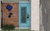Nhà phố độc đáo với bể bơi trong suốt ấn tượng trên nóc nhà