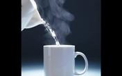 Nghệ An: Bé 19 tháng tuổi tử vong vì uống phải nước sôi vừa nấu