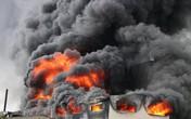 Cảnh sát chữa cháy TP. HCM chi viện cho Bình Dương để dập đám cháy lớn tại công ty sản xuất keo