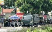 Nhóm côn đồ mang dao, bom xăng, xi lanh tấn công nhà hàng, hàng chục cảnh sát cơ động được điều đến ngăn chặn