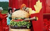 Vì sao khoai tây chiên thường được phục vụ chung với burger