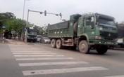 """Hà Nội: Xe tải tiếp tục """"uy hiếp"""" đê sông Hồng"""