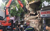 Hà Nội: Ngôi nhà trên phố Hàng Bông bất ngờ đổ sập