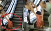 """Đi mua sắm, người phụ nữ bị thang cuốn """"nuốt"""" trọn 2 chân, nhân chứng kể lại chi tiết sự việc khiến ai cũng rùng mình kinh hãi"""