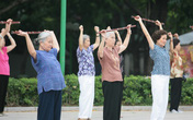 Những lưu ý với người cao tuổi bị loãng xương