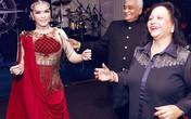 Lý Nhã Kỳ nhảy múa cùng bố mẹ nuôi tỷ phú