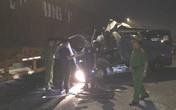 Xe khách đâm vào xe container lúc rạng sáng: 16 hành khách bị thương