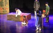 Khán giả thán phục trước tài năng diễn xuất kịch của học sinh Hà Nội - Amsterdam