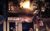 Hà Nội: 4 người chạy thoát ra ngoài trong căn nhà đang bốc cháy ngùn ngụt đêm Trung thu