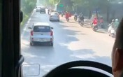 Tài xế ô tô nói gì về việc không nhường đường cho xe cứu hỏa?