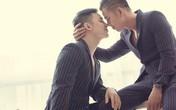 """Bác sĩ đồng tính trong """"Người ấy là ai"""" vừa qua đời: Giây phút dũng cảm nói ra tình yêu với chàng make-up"""
