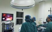 Bé gái 7 tuổi đã bị u nang buồng trứng xoắn hiếm gặp, bác sĩ cảnh báo dấu hiệu bất thường của con cha mẹ không được bỏ qua
