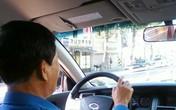 Nhặt được hàng chục triệu đồng khách bỏ quên trên xe, tài xế taxi ở Đà Nẵng trả lại khổ chủ được báo Hàn khen ngợi