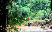 Tìm thấy bé trai 10 tuổi bị nước cuốn xuống cống, trôi cách nhà hơn 40km