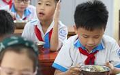 Áp lực của nhà trường khi tổ chức bữa ăn bán trú