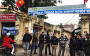 Bị cắt lương và bảo hiểm, nghệ sĩ Hãng phim truyện Việt Nam giăng băng-rôn phản đối VIVASO