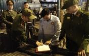 """Hà Nội xử phạt nhiều bãi trông giữ xe """"chặt chém"""" khách đêm giao thừa"""