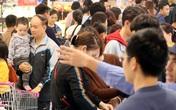 """Nghỉ Tết dương lịch chỉ 1 ngày, các đại siêu thị """"ngộp thở"""" vì người dân ở lại Hà Nội quá đông"""