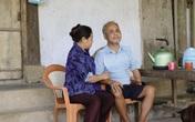 Người phụ nữ nghèo gần 30 năm nuôi chồng mù lòa, chăm các con trưởng thành