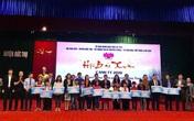 Báo Gia đình & Xã hội trao quà cho người nghèo tại Hội báo Xuân 2020 tỉnh Hà Tĩnh