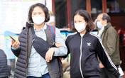 Chùm ảnh: Người Hà Nội ra đường kín mít khẩu trang phòng dịch corona