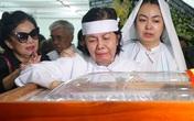 NSƯT Chánh Tín đã về nơi an nghỉ cuối cùng, con trai chưa về kịp để chịu tang cha