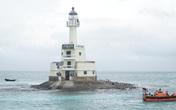 """Những người """"thắp đèn"""" giữa quần đảo Trường Sa"""