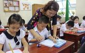 Chương trình lớp 1 vừa nhanh vừa nặng nhưng không được giao bài tập về nhà, giáo viên tiểu học TP. HCM đưa ra lý do khiến phụ huynh phải suy ngẫm lại