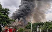 Cháy công ty đồ gỗ ở Sài Gòn, 3 nhà xưởng đổ sập trong tích tắc